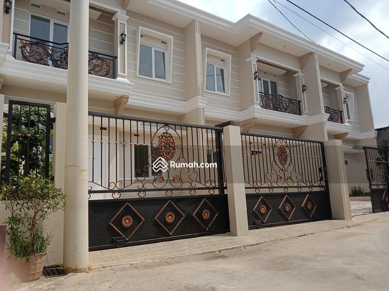 Rumah mewah kokoh tanah luas Akses strategis #105168365