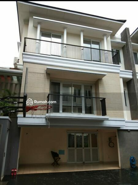 For Rent Modern Minimalist Townhouse at Pejaten #102875327