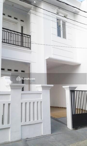 Rumah Mewah 2 Lantai di Pondok Kelapa siap huni  selangkah toll dan lrt #102885005