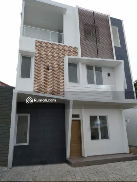 CLUSTER 3 Lantai Full Furnish di Jakarta Timur, Akses Jalan 2 Mobil, Terbukti Bebas Banjir #102914985