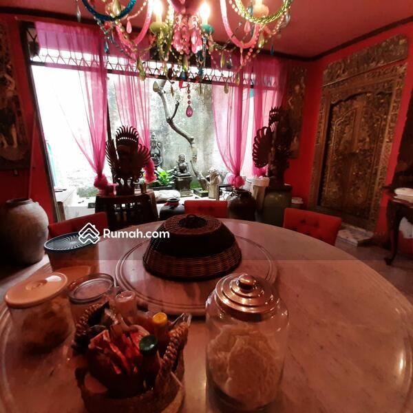 Rumah 3 Lantai Strategis di Lebak Bulus Jakarta Selatan #102983415