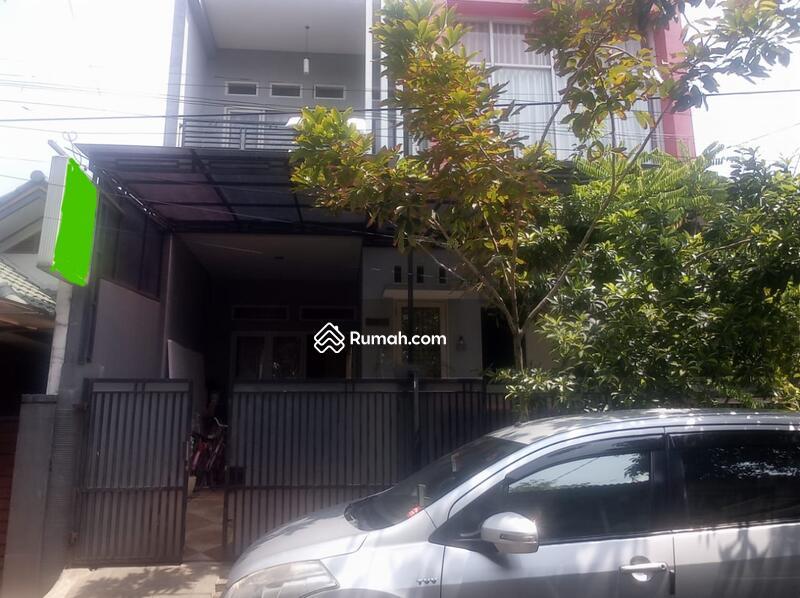 Rumah 2 setengah lantai bintara bekasi #103011709