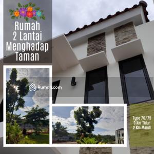 Dijual - Rumah Cantik 2 Lantai Menghadap Taman Dengan View Luas. Lokasi Dipinggir Jalan Dekat Tol Cibubur.