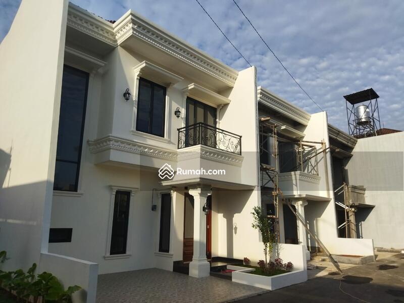Town House mewah Elegan  Siap Huni pingir jalan raya selangkah Cawang #103400449