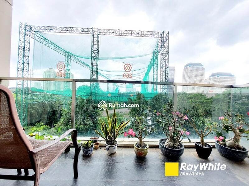 Balcony, Senayan Golf View