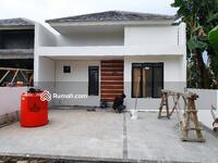 Dijual - Rumah Dijual Lokasi Hidup dan Berkembang di Dalam Cluster. Strategis dan Bebas Banjir!