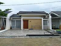 Dijual - 1 UNIT TERAKHIR Rumah dengan KAWASAN DANAU dan ada CLUB HOUSE
