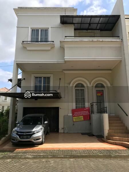 Rumah minimalis 3 Lantai Hoek Camden House Srengseng Jakarta Barat #103503317