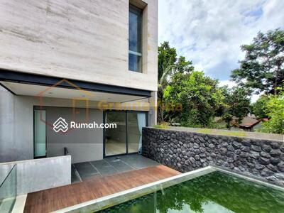 Dijual - Cipete – Rumah Bangunan 3, 5 Lantai, Full Marble, Private Lift Dan  Private Pool, Karya Arsitek Terna