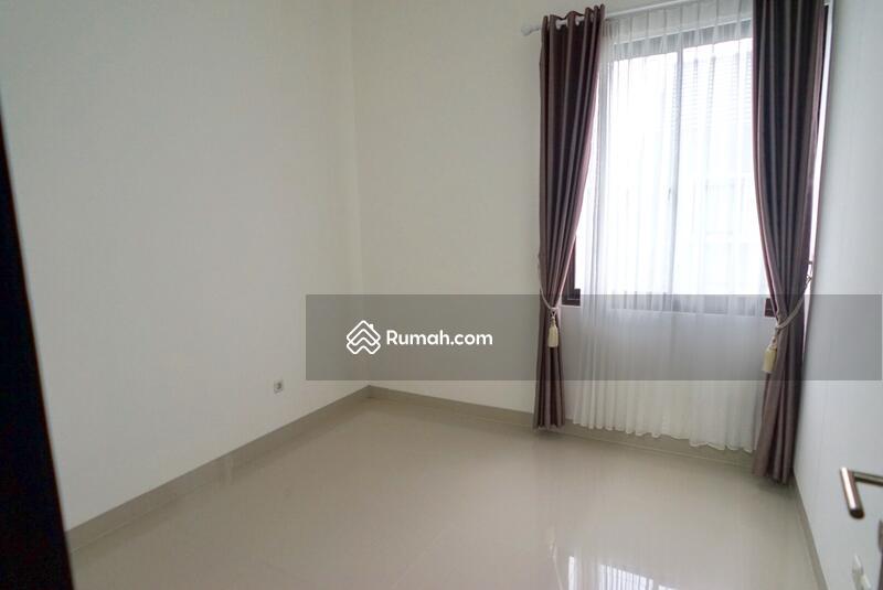 Dijual Rumah suasana Tenang dalam jakakarsa jakarata selatan #103593159