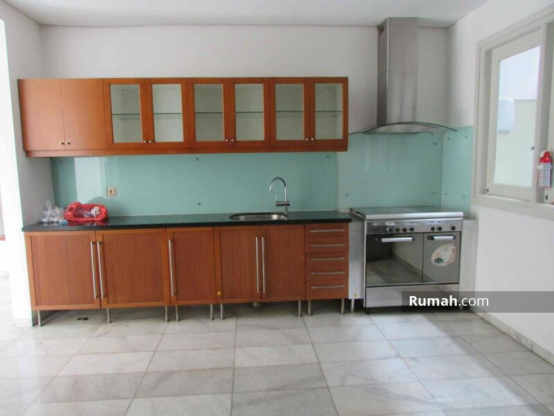 Spacious House with pool and garden at Kemang #103716719