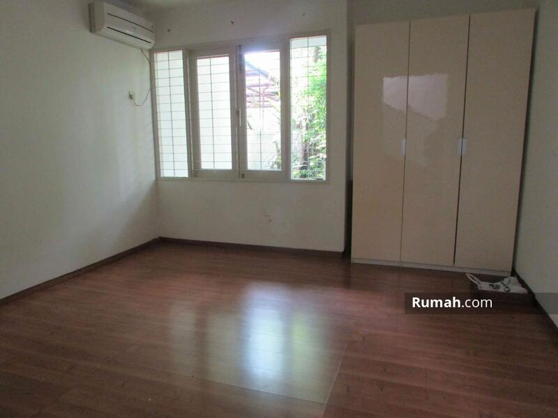 Spacious House with pool and garden at Kemang #103716721