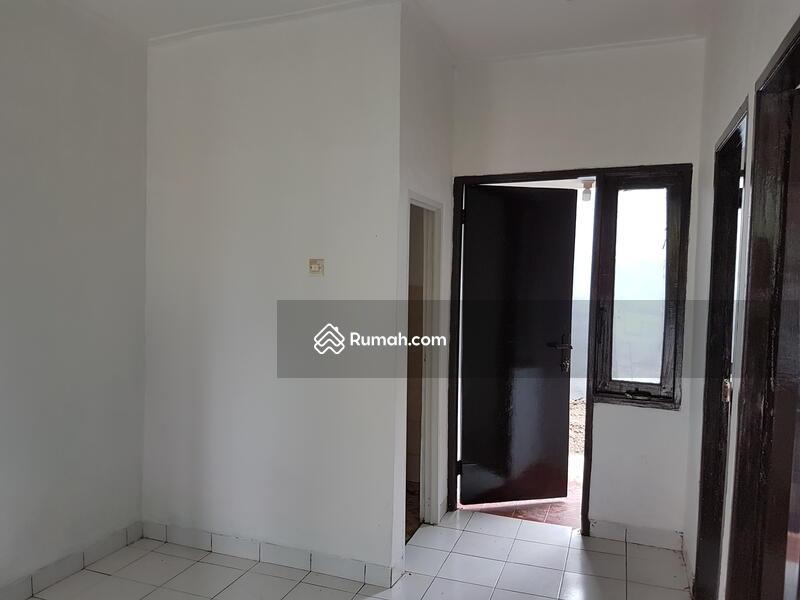 Dijual rumah murah di Cibubur, Bekasi 300 jutaan, Full Renovasi depan taman, fasilitas lengkap #103813183