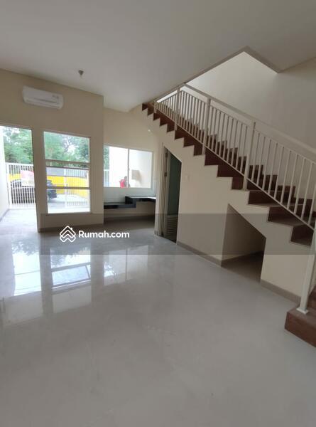 Rumah 2lt Minimalis di Pondok Chandra PROMO Cash Back 200 Juta #103848409