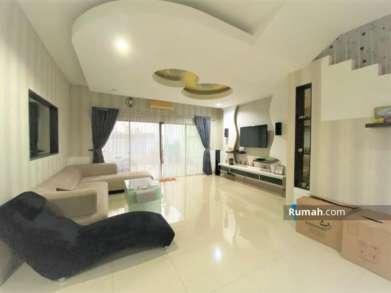 Rumah 2 lantai Siap Huni Type 4+1KT full renoved cluster Lantana JGC Jakarta Garden City Cakung #103913011