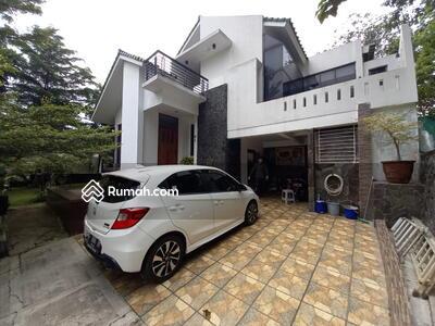 Dijual - Rumah siap huni dengan pemandangan Golf