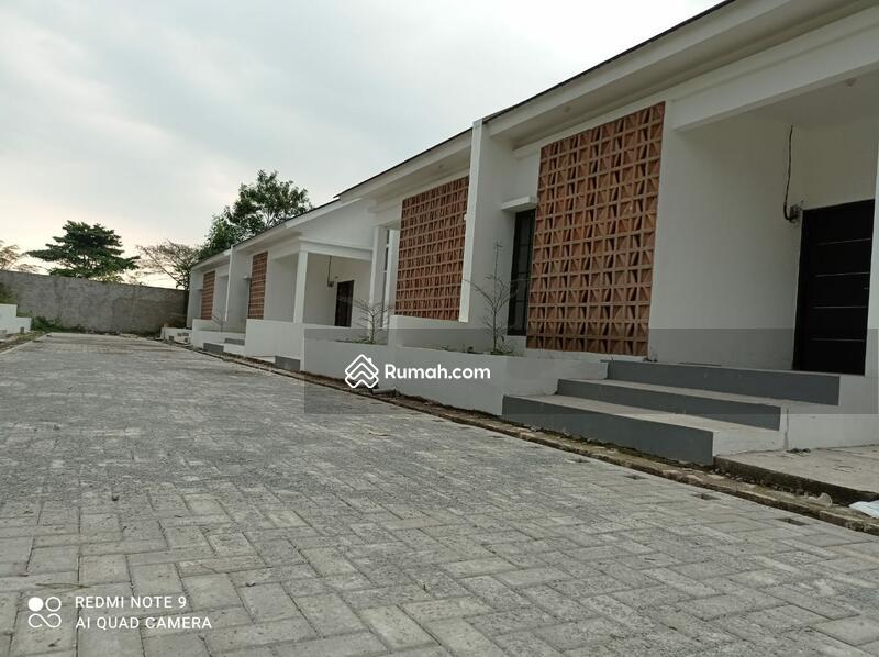 galeri Buah Batu #106524359