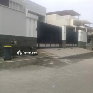 Dijual - Rumah Mewah Sejuk dan Asri Greenville Jakarta Barat