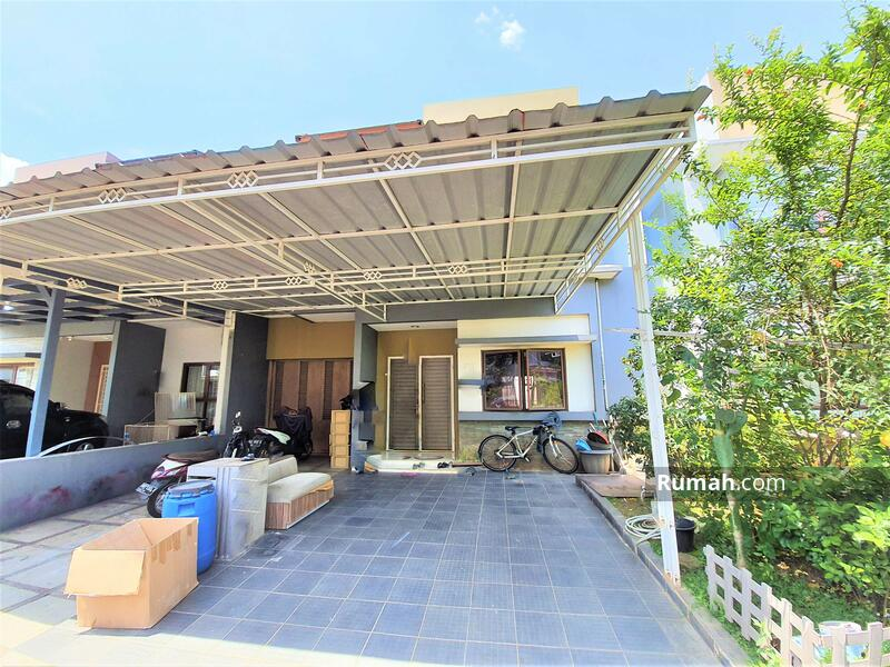 Rumah 2 lantai siap huni luas 148m 9x17 type 3KT cluster Zebrina JGC Jakarta Garden City Cakung #104107561