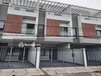 Dijual - 3 Bedrooms Rumah Tanjung Duren, Jakarta Barat, DKI Jakarta