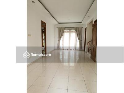 Dijual - Rumah Bagus Siap Huni Di Sektor 9 - WD 3346 BR