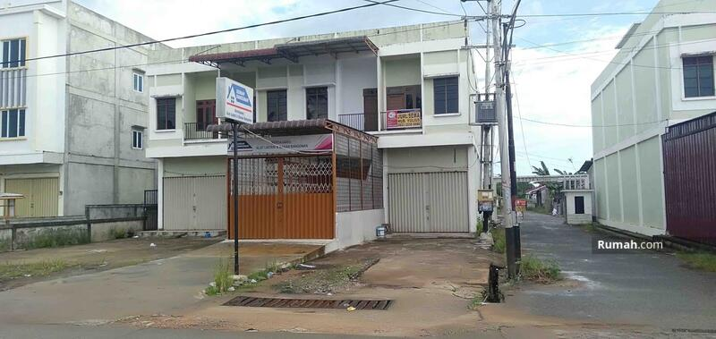 Ruko 2,5 Lantai Desa Kapur (Posisi Hook) Lokasi Teramai Hadap Timur #104268487