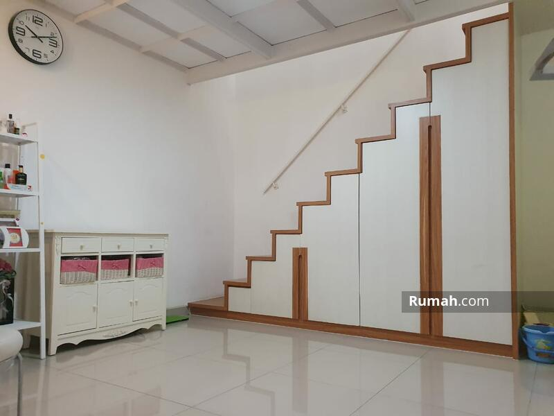 Bukit Sari #104327349