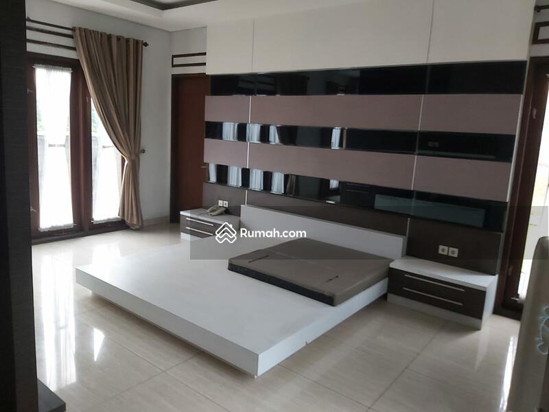 Dijual rumah mewah hook harga murah furnished sangat luas #104380049