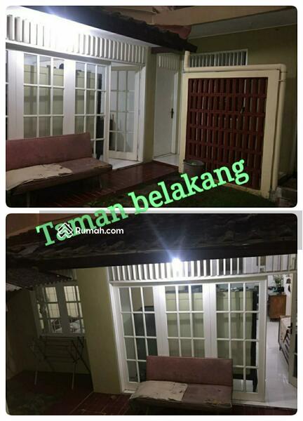 Rumah Lama Dalam Komplek Petukangan #104475245