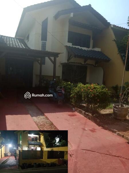 Rumah Lama Dalam Komplek Petukangan #104475247
