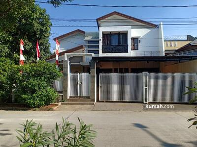 Dijual - RUMAH SWIMMING POOL MEWAH Dijual Murah Dalam Komplek Pulogebang Permai Jakarta Timur : 081389335771