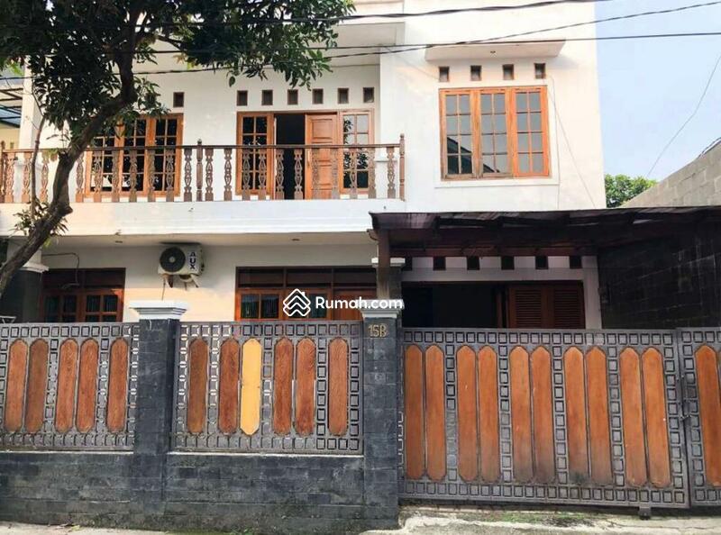 Rumah Dekat Tol Tb simatupang jakarta selatan #104610175