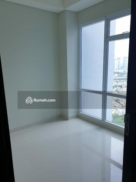 Dijual cepat apartemen Puri Mansion 3 kamar tidur #104654747