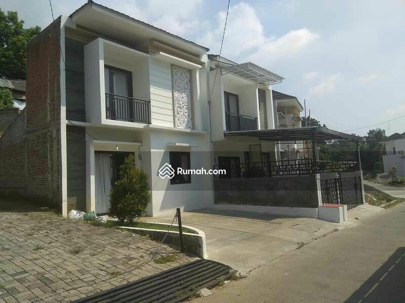 Jual Cepat Rumah Dua Lantai Siap Huni Pusat Kota Bogor Bonus Kavling 100 meter #104706347