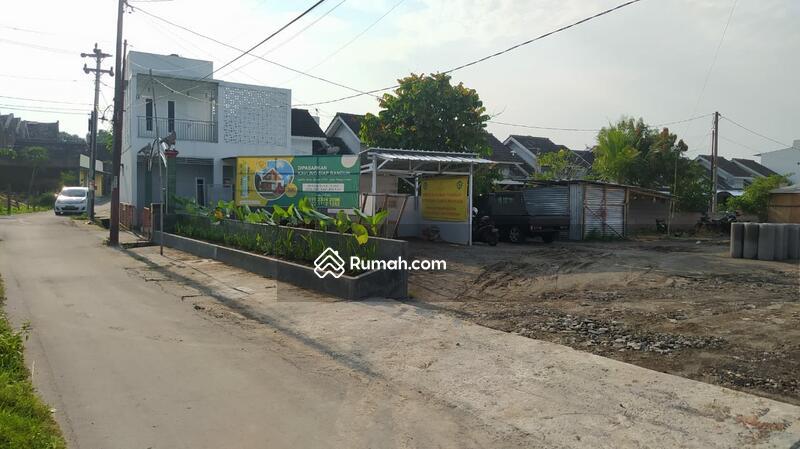 Rumah Type 30/72  2 KT  1 KM  1 Carport  1 Dapur  1Teras Beratap  1 Taman Pribadi  Sistem pembayaran #104709461