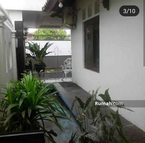 Di Jual Rumah Cantik Bangunan 2 lantai di Depok Timur #104738887