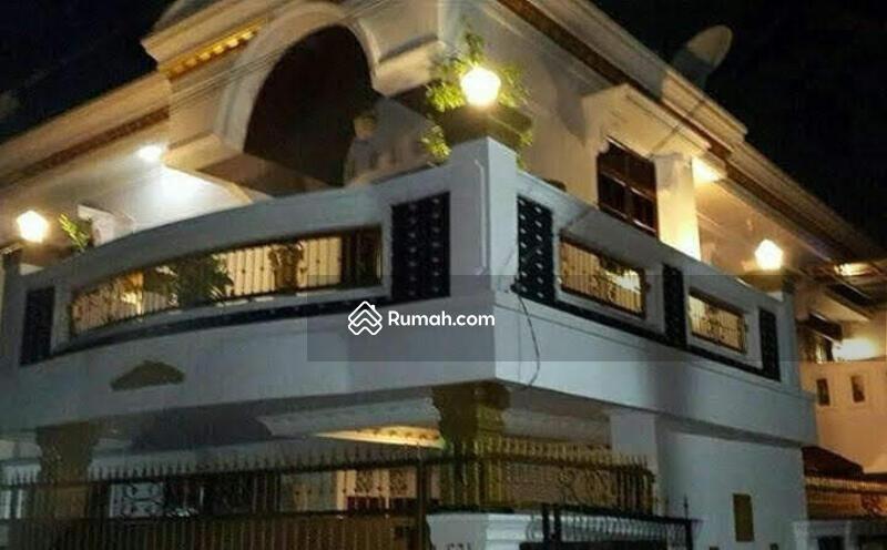 Di Jual Rumah Cantik Bangunan 2 lantai di Depok Timur #104738939