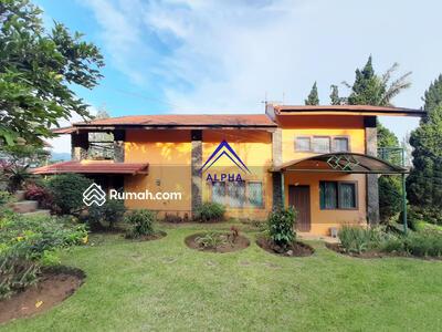 Dijual - Dijual Rumah di Villa Istana Bunga Lembang