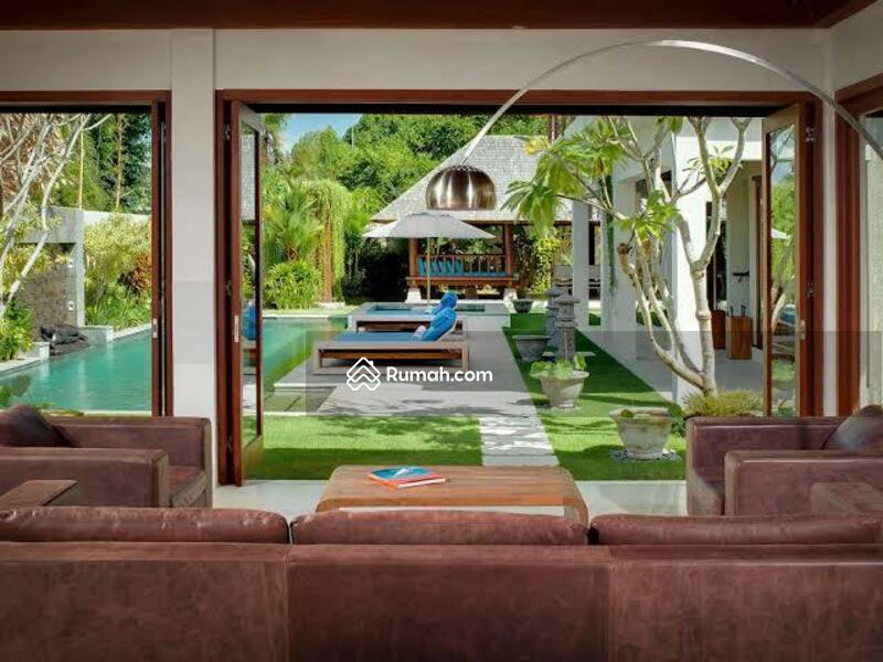 LUXURY VILLA FOR SALE at Batubelig seminyak / Near Canggu Bali #104961773