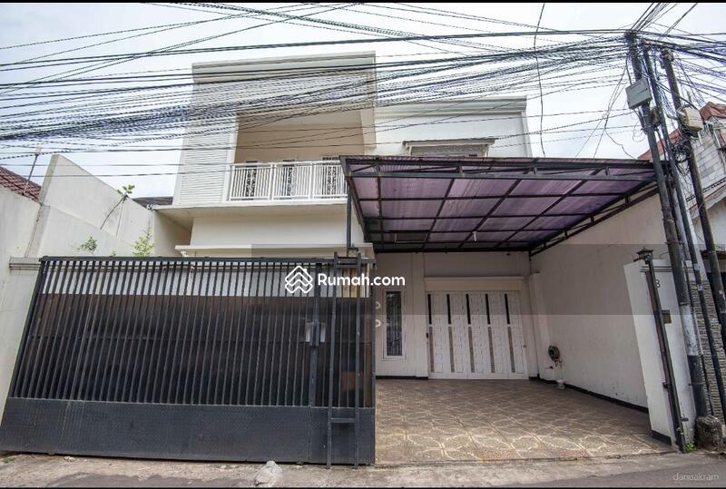 Rumah Bagus 2 Lt lokasi istimewa, nyaman dan aman di area Siaga, Pejaten Barat, Jakarta Selatan #104972455