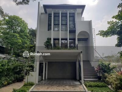 Dijual - Rumah Modern 3 lantai di BSD dari Designer Ternama