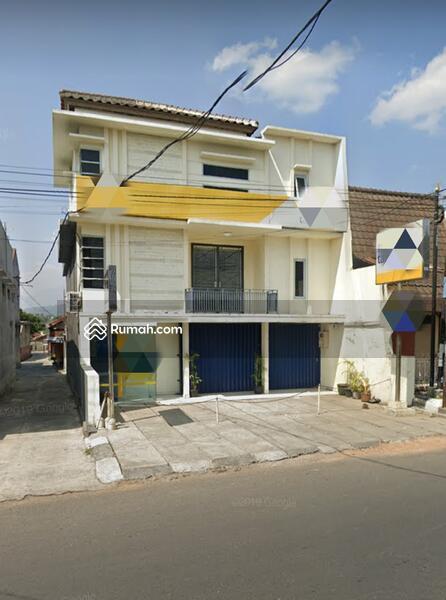 Gedung Perkantoran Strategis di pusat Kota Garut #105074321