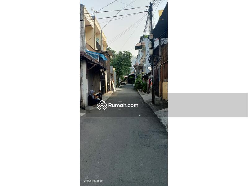 Rumah tua di Makaliwe 2, Grogol, Jakarta Barat #105078025