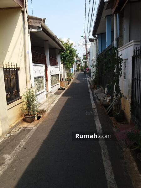 Rumah Di Perumnas Klender Jakarta Timur #105142653