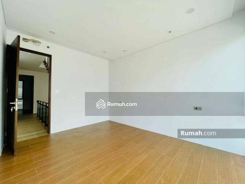 Rumah Modern Minimalis Baru Muara Karang #105177069