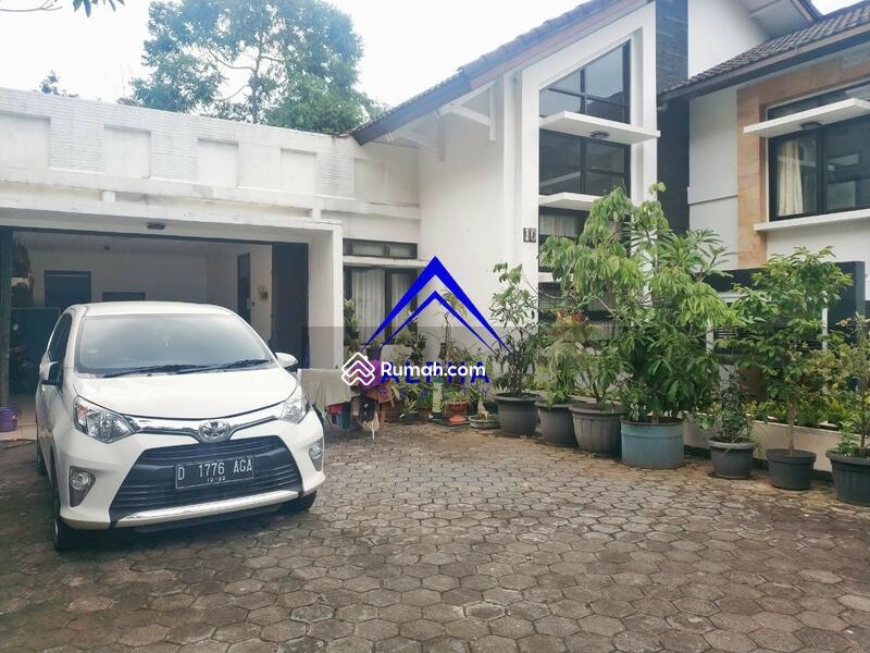 Disewakan Rumah di Ciumbuleuit Bandung #105177913