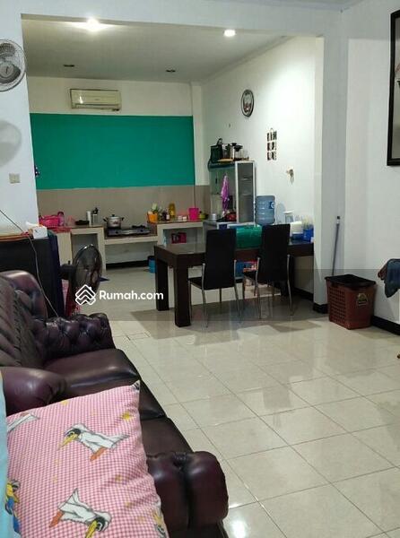 Ruko Gandeng Siap Pakai di Jalan Raya Harapan Indah Bekasi #105178171
