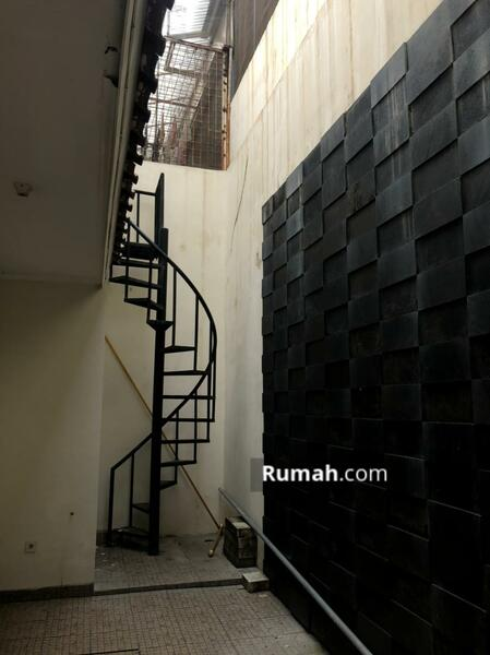 Dijual Town House Taman Anggrek uk 142m2 Standar Developer at Jakarta Barat #105178551