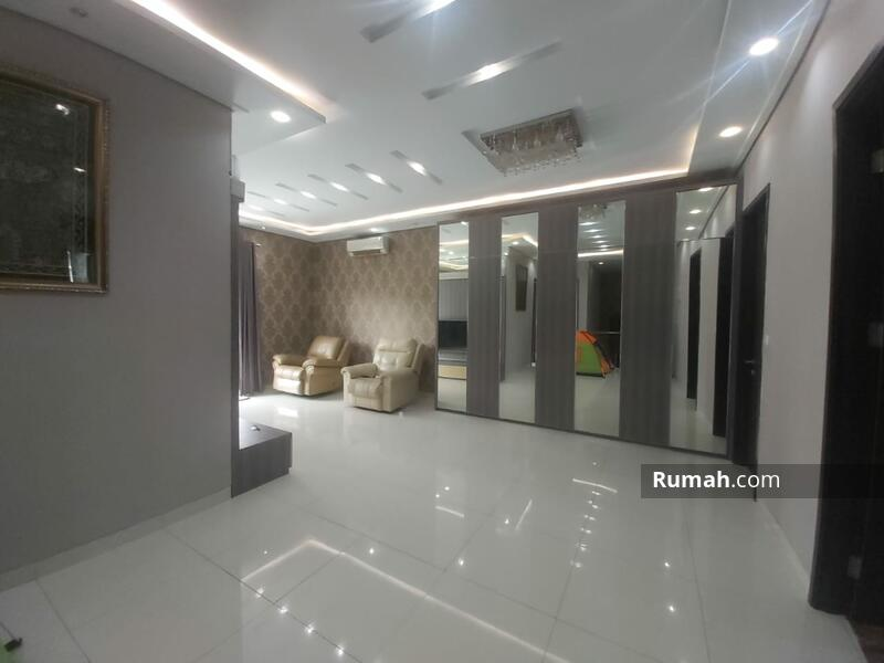 Rumah Bagus 2 Lantai di Jakarta Garden City #105179433