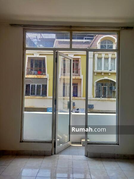 Dijual Ruko Mutiara Taman Palem uk 63m2 at Cengkareng Jakarta Barat #105179561